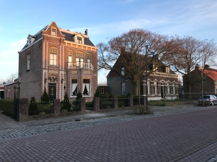 Beautiful traditional houses in the village of Hoofdplaat where we stay