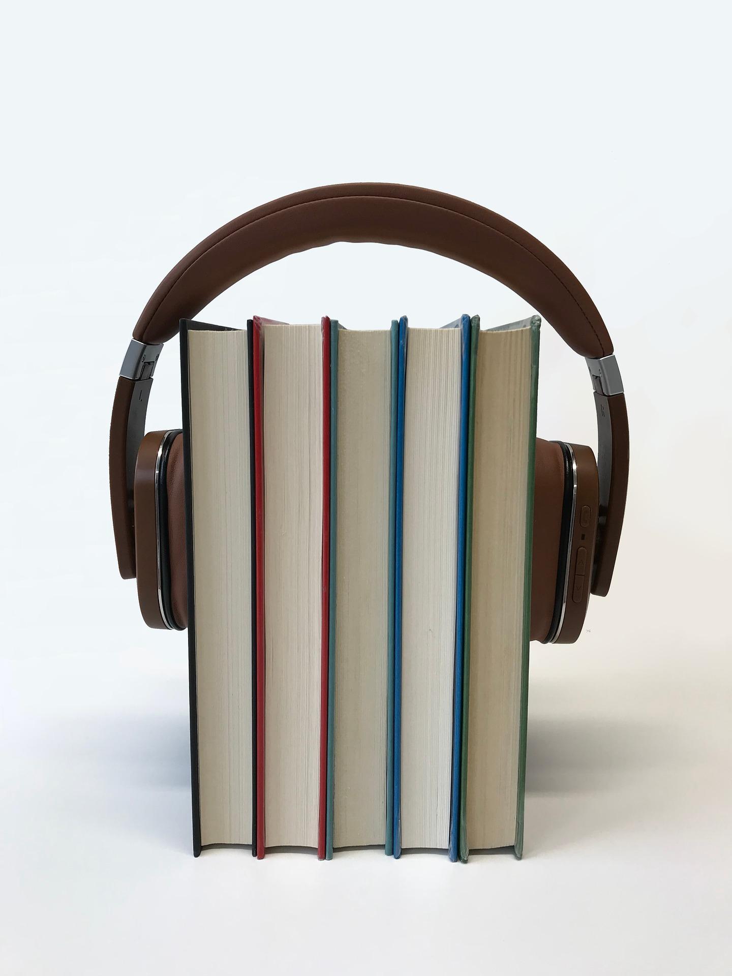 headphones-3658441_1920